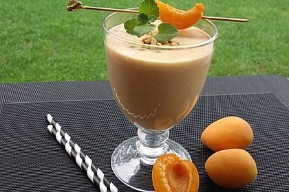 Aprikosen-Mandelmilch-Smoothie 1