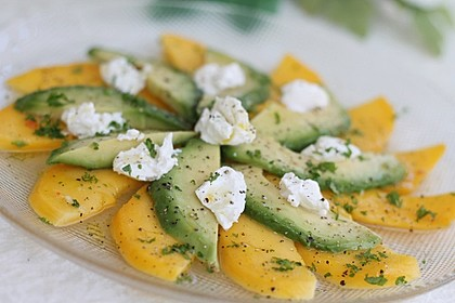 Mango-Avocado-Salat mit Ziegenfrischkäse 4