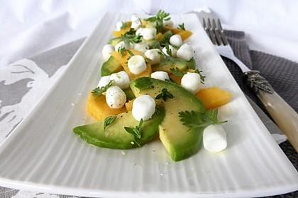 Mango-Avocado-Salat mit Ziegenfrischkäse
