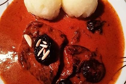 Rindfleisch mit Pflaumen, Zimt und Mandeln 2