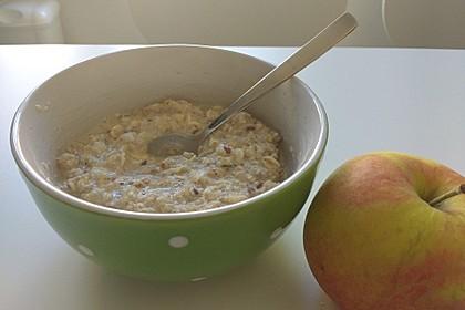 Hafer-Apfel-Frühstücks-Brei