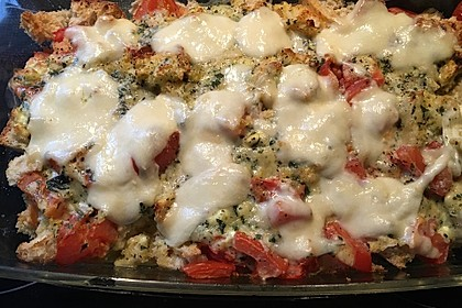 Tomaten-Ciabatta-Auflauf mit Parmesan und Basilikum