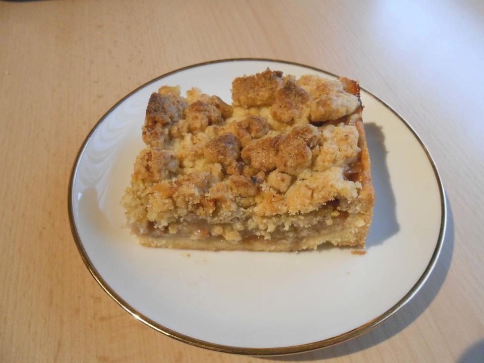 Apfelkuchen Mit Apfelmus Und Leckeren Zimtwalnussstreuseln Von