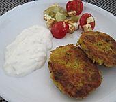 Linsenbratlinge mit Joghurt-Minz-Soße (Bild)