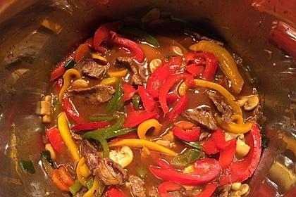 Geschnetzeltes mit Sweet-Paprika, Champignons und Möhre 3
