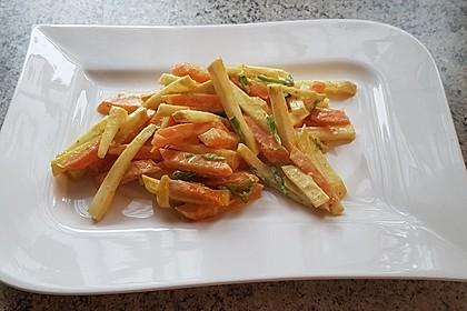 Knollensellerie-Karotten-Pfanne an Curry-Kokosmilch (Bild)