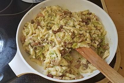 Käsespätzle mit Lauch und Pilzen