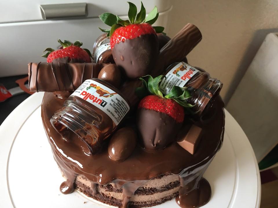 Rocher Torte Mit Nutella Und Haselnussen Von Cookbakery Chefkoch De