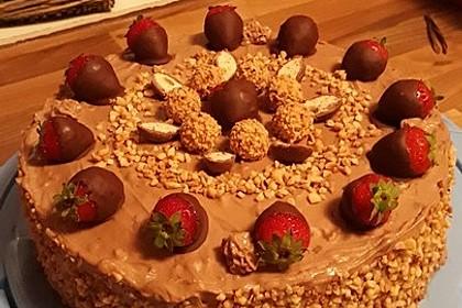 Rocher Torte mit Nutella und Haselnüssen (Bild)