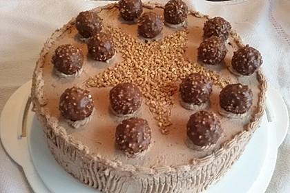Rocher Torte mit Nutella und Haselnüssen 9
