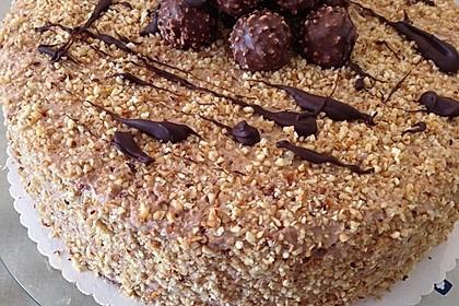 Rocher Torte mit Nutella und Haselnüssen 8
