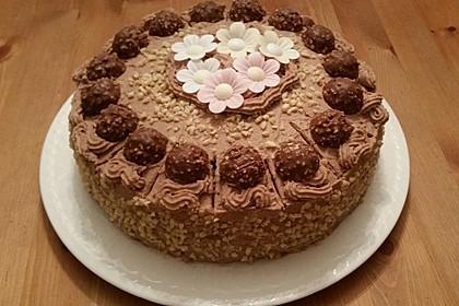 Rocher Torte mit Nutella und Haselnüssen 5