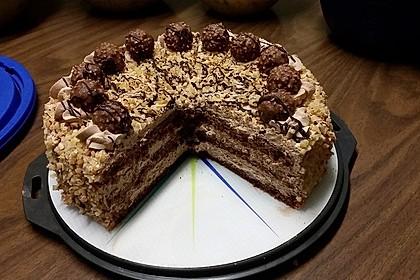 Rocher Torte mit Nutella und Haselnüssen 7