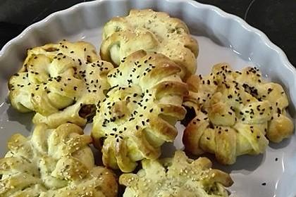 Türkisches Pogca Gebäck mit Kartoffelfüllung 1