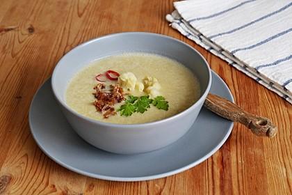 Blumenkohlsuppe mit roten Linsen und Kokosmilch