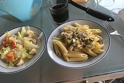 Pasta mit Zucchini-Champignon-Frischkäse-Soße 7