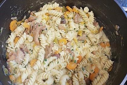 Pasta mit Zucchini-Champignon-Frischkäse-Soße 11