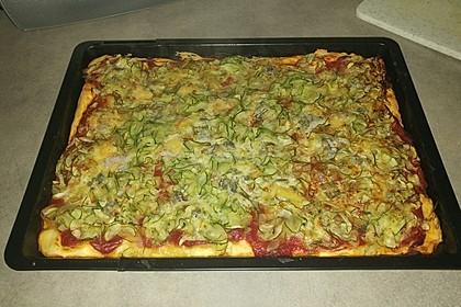 Zucchinipizza mit Gorgonzola (Bild)