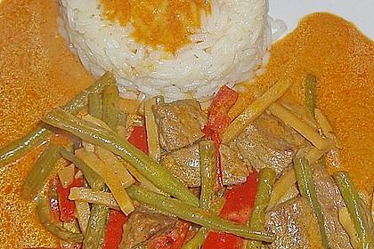 Rindfleisch in Kokosmilch mit rotem Curry 4