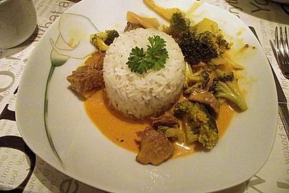 Rindfleisch in Kokosmilch mit rotem Curry 3