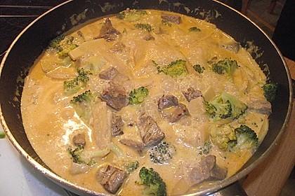 Rindfleisch in Kokosmilch mit rotem Curry 5