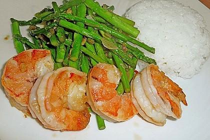 Garnelen mit grünem Spargel und Austernsauce 2