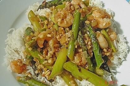 Garnelen mit grünem Spargel und Austernsauce 15