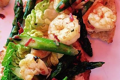 Garnelen mit grünem Spargel und Austernsauce 9