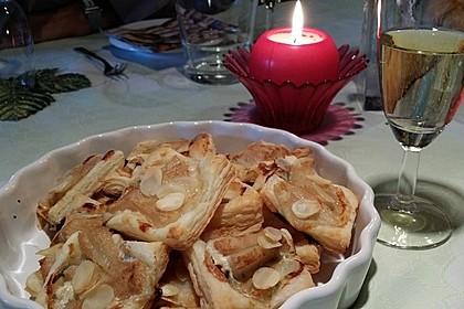 Blätterteighäppchen Birne-Gorgonzola