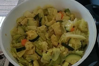 Wirsing-Zucchini-Pfanne mit Kokosmilch (Bild)