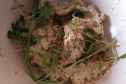 Olivenpaste als Brotaufstrich