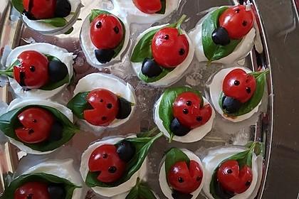 Tomate-Mozzarella-Marienkäfer (Bild)