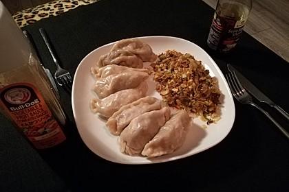 Chinesische Dumplings mit Spitzkohl und Pilzen 4
