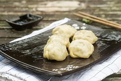 Chinesische Dumplings mit Spitzkohl und Pilzen 1
