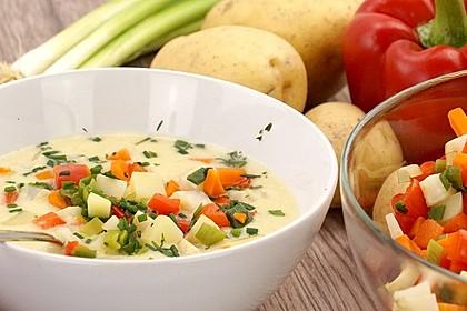 Kartoffelsuppe mit Gemüseeinlage