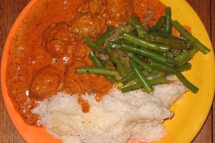 Pakistanische Rindfleischbällchen (Köfte) in Sauce