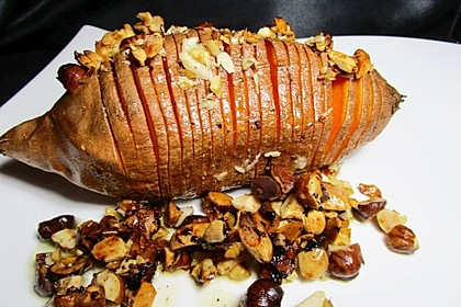 Weihnachtliche Süßkartoffel mit einer Nuss-Variation 9
