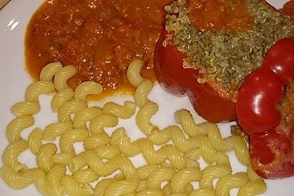 Gefüllte Paprika mit Hackfleisch und Quinoa
