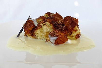 Brioche-and-Butter-Pudding mit Zimtkruste