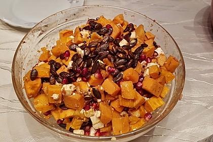 Süßkartoffelsalat mit Feta und Granatapfel