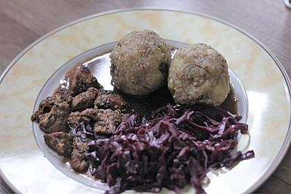 """Vegane """"Ente"""" mit Orangen-Rotkraut und Maronen-Kartoffelklößen 1"""