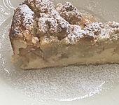 Feiner Apfel-Birnenkuchen mit Quark-Joghurtcreme und mürben Butter-Mandelstreuseln (Bild)