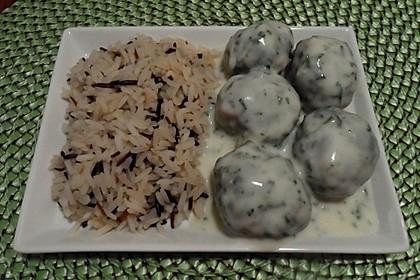 Spinat-Hackklöße mit Petersiliensauce und Reis
