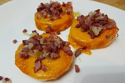 Gebackene Süßkartoffelscheiben mit Cheddar und Speck-Schalotten-Mischung 4
