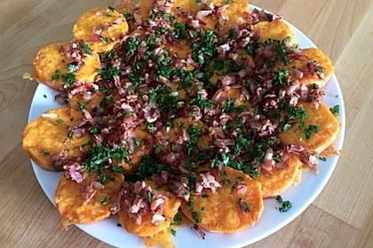 Gebackene Süßkartoffelscheiben mit Cheddar und Speck-Schalotten-Mischung 2