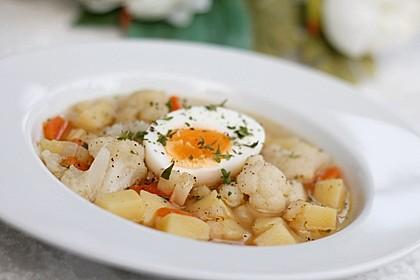Blumenkohl-Kartoffel-Suppe mit Ei