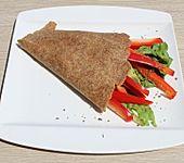 Avocado-Paprika-Salat-Wrap (Bild)