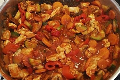 Low-Carb Zucchini-Paprika-Hähnchen-Pfanne 3