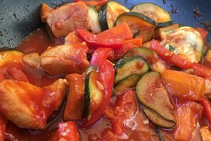 Low-Carb Zucchini-Paprika-Hähnchen-Pfanne 5