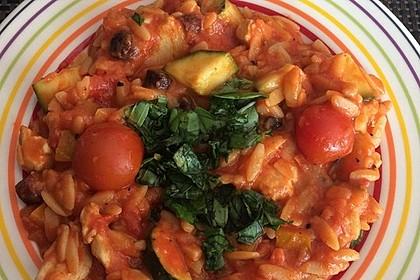 Tomaten-Zucchini-Pfanne mit Hähnchen und Salami 1